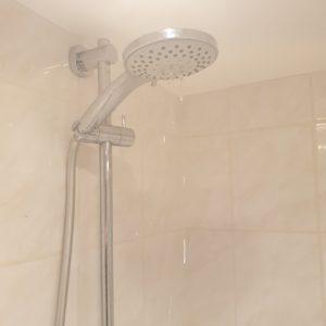 plombier fuite eau douche bruxelles